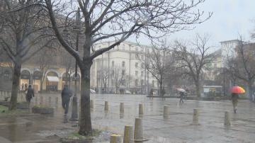 Намаляват броя на фотоволтаиците на площад Св. Неделя