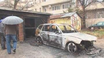 Ще охраняват денонощно свидетел по Суджукгейт след палеж на автомобила му