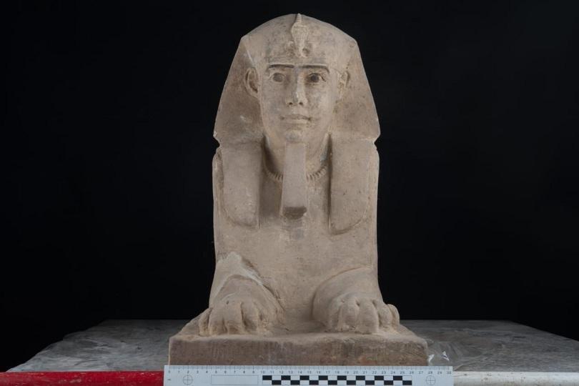 Археолози откриха статуя с тяло на лъв и човешка глава