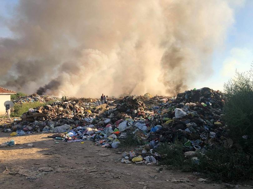 Продължава борбата с пожара край Свищов. Огънят вече е локализиран,