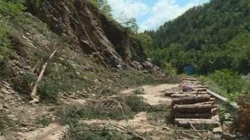 Частичното бедствено положение в Смолянско остава заради свлачищата