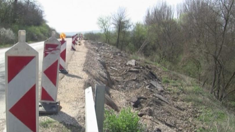 Половин година след цялостната рехабилитация на второкласното шосе Враца-Криводол, част