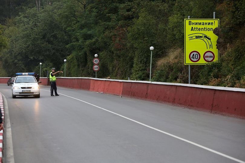 тестове показали недопустим материал асфалта пътя софия своге