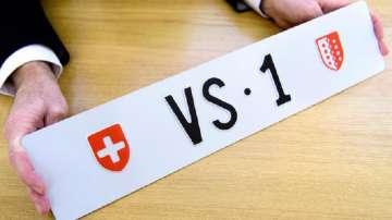Швейцарец си купи щастлив регистрационен номер на колата за над 160 000 франка