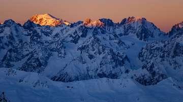 Двама алпинисти загинаха при изкачване на Швейцарските Алпи