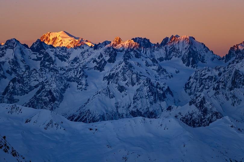 двама алпинисти загинаха изкачване швейцарските алпи