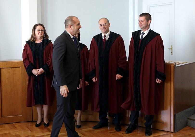 снимка 1 Четиримата новоизбрани конституционни съдии положиха тържествена клетва