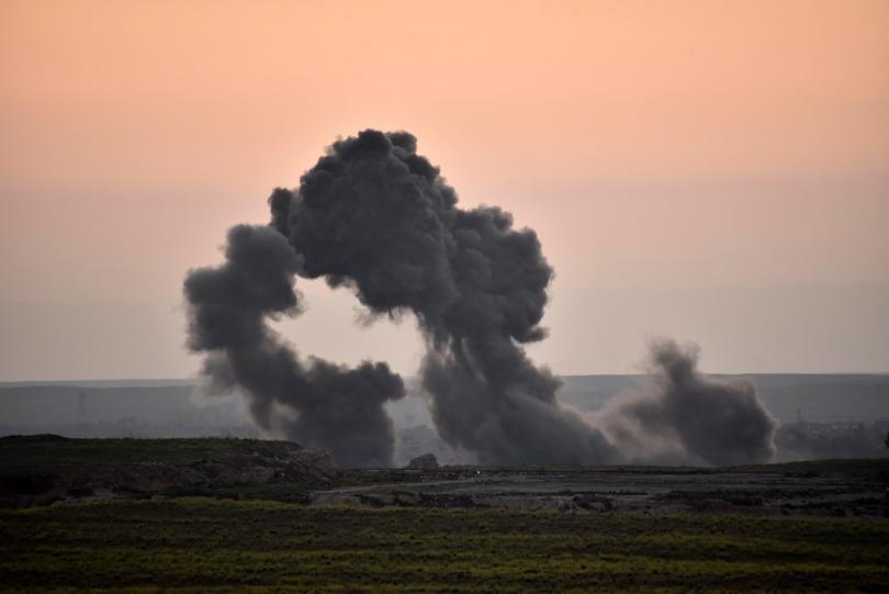 Снимка: Атентат с кола бомба е отнел живота на 20 души в Източна Сирия