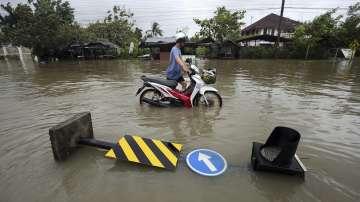 Няма пострадали български туристи при бурята в Тайланд