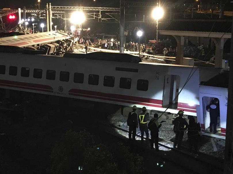 Най-малко 22-ма души загинаха, а повече от 170 са ранени