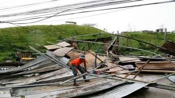 Увеличава се броят на загиналите заради тайфуна Мангхут
