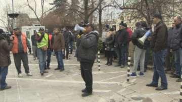 Криза с такситата в София, шофьорите настояват за по-висока минималната тарифа