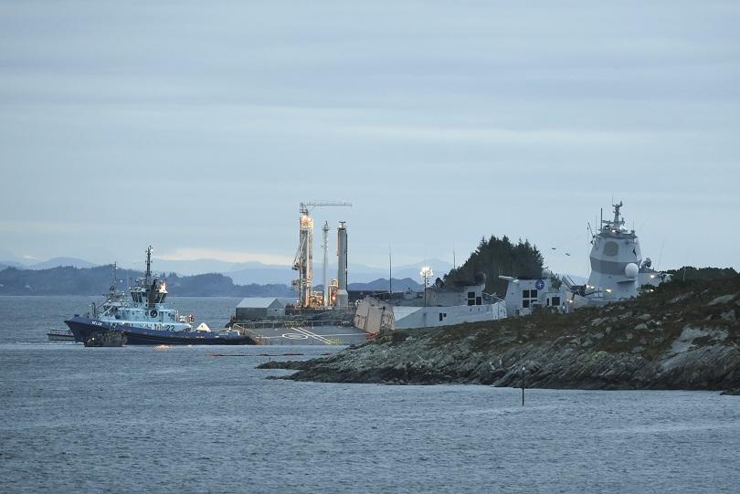 Фрегата на норвежкия флот и малтийски петролен танкер се сблъскаха