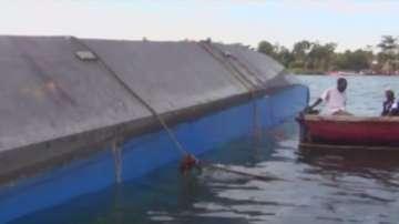 Повече от 100 са жертвите на преобърнатия ферибот в Танзания
