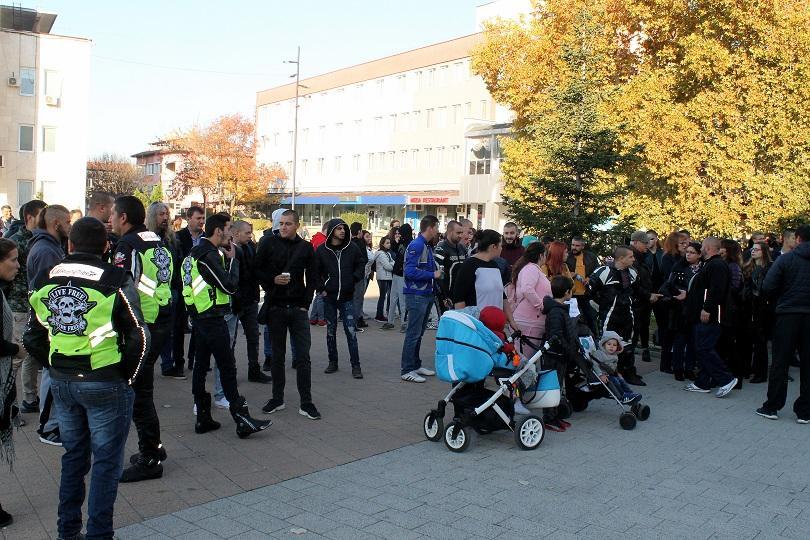 Протест в Търговище, след като пиян служител на съдебната охрана