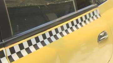 Таксиметров шофьор изостави жена в безсъзнание на пътя