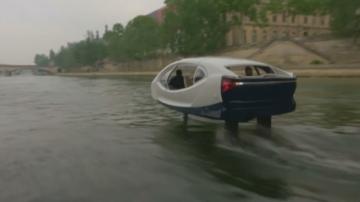 Летящи таксита срещу мръсния въздух в Париж