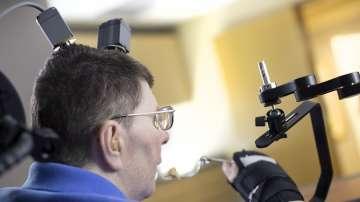 Нова технология движи парализирани мускули със силата на мисълта