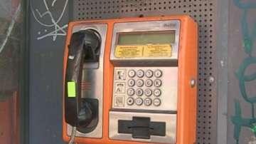 Само четири са работещите улични телефони в Пловдив