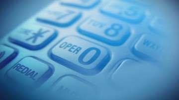 Заловиха трима мъже за телефонна измама
