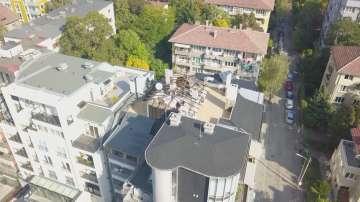 Пламен Георгиев е започнал да разрушава незаконните постройки на терасата си