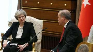 Британският премиер призова Турция да отстоява човешките права