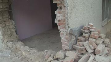 Какво е състоянието на къщата в Борован, пометена от тир