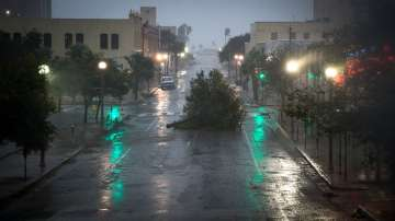 Ураганът Харви достигна бреговете на Тексас