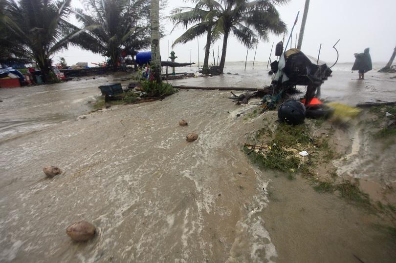 Стихията навлезе в южните части на страната с обилни валежи