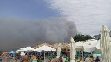 Пожар бушува на остров Тасос, две селища са евакуирани