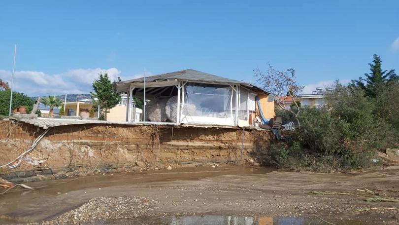 снимка 1 Проливни дъждове нанесоха щети на гръцкия остров Тасос