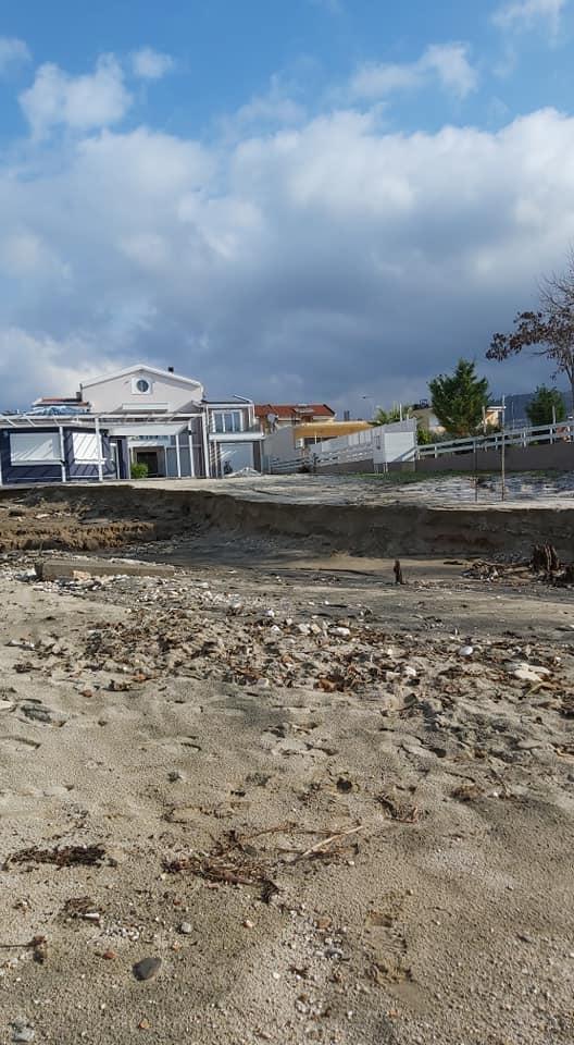 снимка 3 Проливни дъждове нанесоха щети на гръцкия остров Тасос