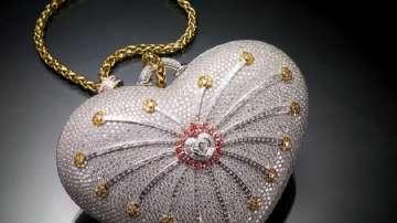 Предлагат на търг най-скъпата дамска чанта в света, оценена на 3,8 млн. долара