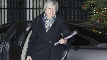 След вота на доверие: Тереза Мей остава лидер на британските консерватори