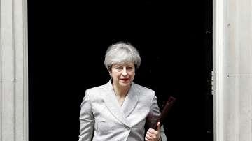 Тори и юнионисти търсят управленска сделка във Великобритания