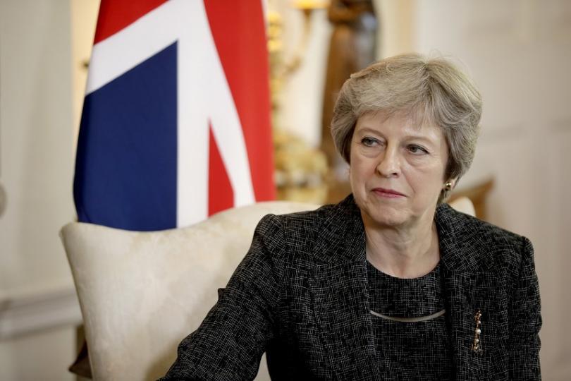 Тереза Мей поема лично преговорите с Брюксел за напускането на
