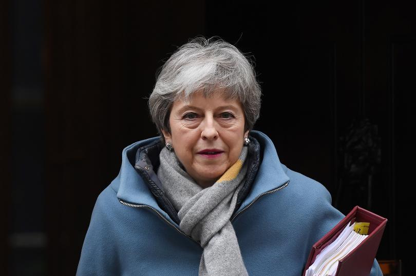 Британският премиер Тереза Мей изпрати официално писмо до Брюксел, с