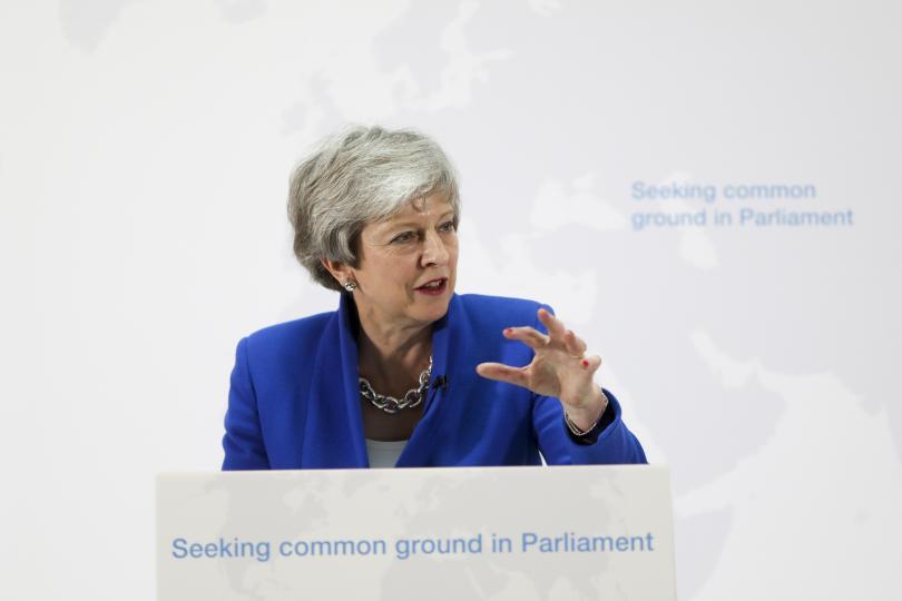 Британският премиер Тереза Мей ще говори пред Парламента и ще