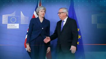 Тереза Мей преговаря за Брекзит в Брюксел
