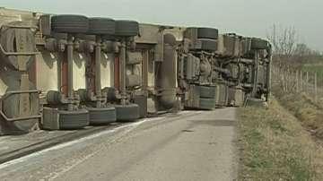 ТИР се е обърнал в района на 60 км на автомагистрала Тракия