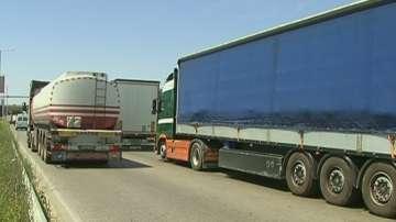 Ограничават движението на ТИР-ове по най-натоварените пътища в почивните дни