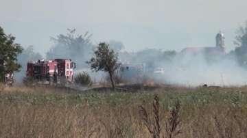 Камион с газови бутилки се самозапали на пътя Пловдив-Карлово