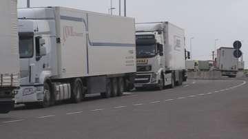 Забрана за движение на камионите над 12 тона по магистралите между 14 и 20 ч.