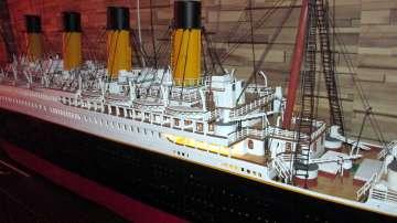 Страст към Титаник: Младеж изработи 80-килограмов макет на потъналия кораб