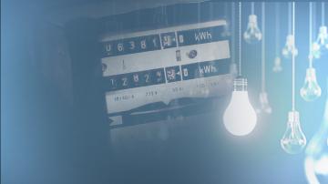 Заради бурята 8 000 абонати на ЧЕЗ са без ток