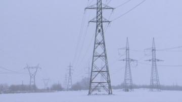 Хиляди домакинства в страната останаха без ток след първия сняг