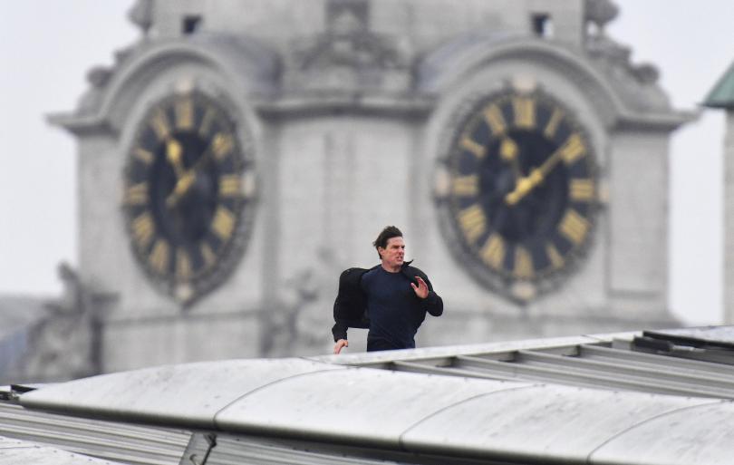 Холивудският актьор Том Круз блокира част от Централен Лондон, спринтирайки