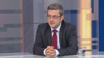 Тома Биков: Не водим война с Президента