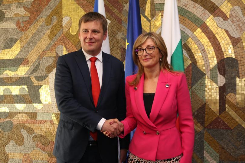 Министърът на външните работи на Чешката република Томаш Петричек се