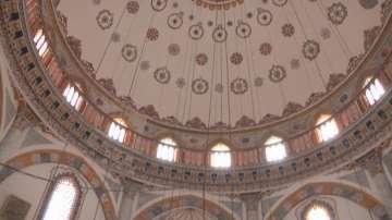 Възстановиха оригиналната украса на Томбул джамия в Шумен